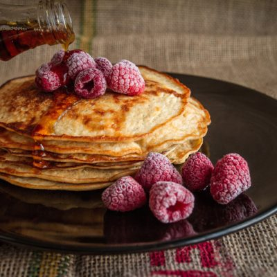 pancakes with raspberries breakfast 800
