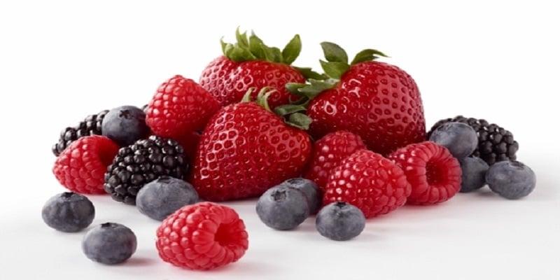 berries for healthy breakfast